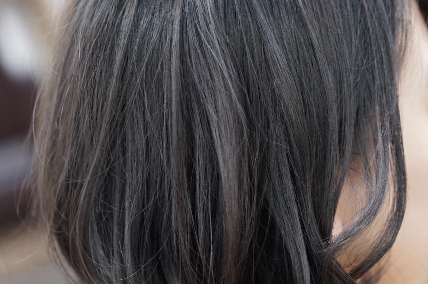 グレー ダーク アッシュ ダークアッシュの髪色は色落ち期間も楽しめる!抜けた後は何色?色持ちさせるコツも!